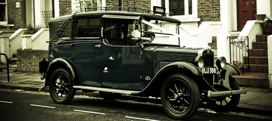 photo of old wedding car from manchester wedding