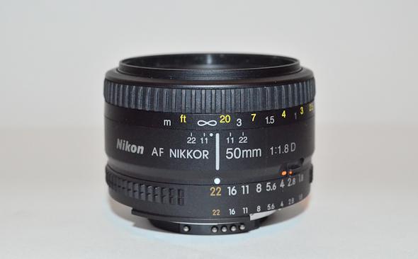 the nikon 18 50mm a lens for the wedding photographer